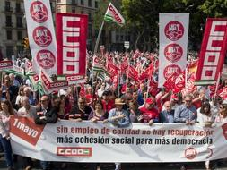 Thousands join May Day workers' rally