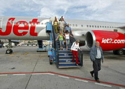 Jet2.com steps up low season seats on flights between Malaga and UK to 100,000