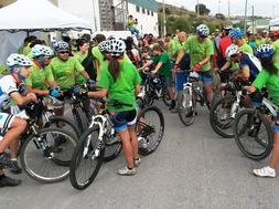 Campaigners pedal and run from Co�n to Alhaur�n el Grande to promote nature path