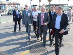 Citizens group stages peaceful protest as EC inspection team visits the Gib border