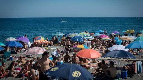 Weekend Beach Brings 130 000 Music Fans To Torre Del Mar Sur In English
