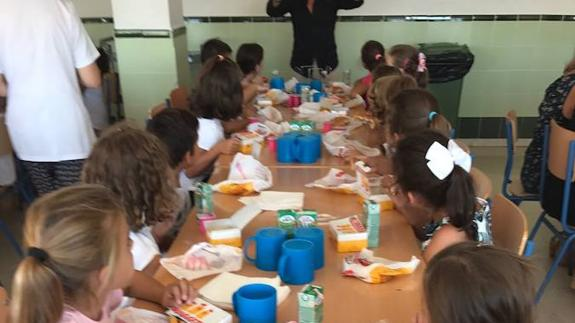 Estepona School Goes To Burger King For Pupils Lunch Due To Staff