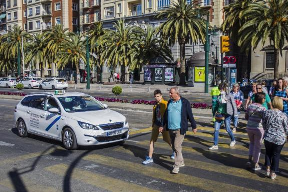 cf6ddcd08394b Costa del Sol taxis improve their services to be better than the  competition. The sector is concerned by the arrival of companies such as  Uber and Cabify.