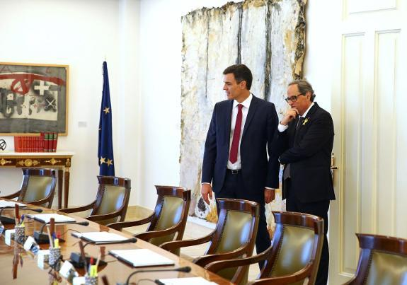 Catalan president meets Pedro Sánchez in Madrid to prepare