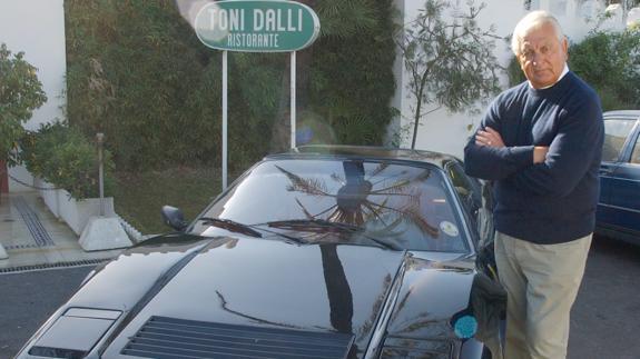 International singing star Toni Dalli dies at his Marbella home, aged 88 .  Sur in English